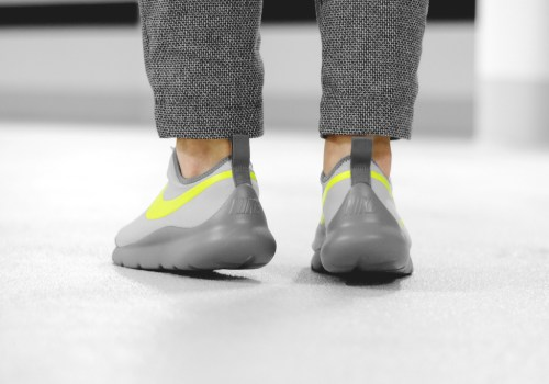 nike-aptare-wolf-gray-volt-02