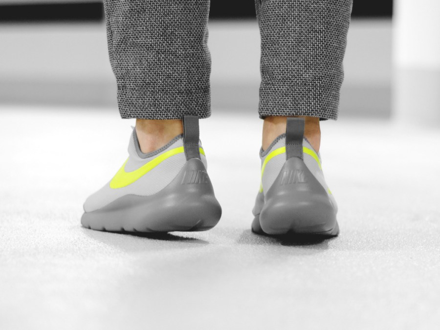Nike Aptare – Wolf Gray/Volt