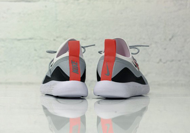 nike-lunarcharge-infrared-available-04