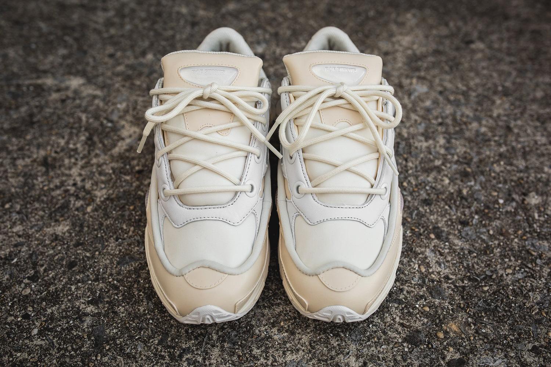 raf-simons-adidas-ozweego-bunny-cream-03