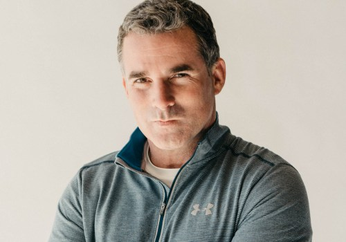 under-armour-sales-decline-stock-price-fall-cfo-resigns-1