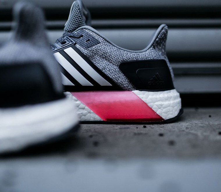 adidas-ultra-boost-st-grey-pink-03
