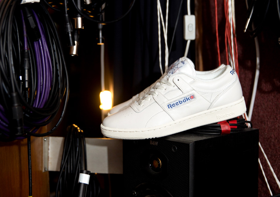 reebok-club-workout-white-red-blue-02