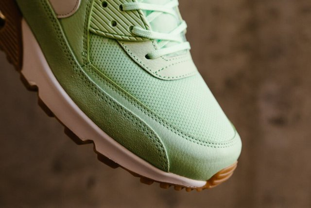 nike-air-max-90-fresh-mint-03