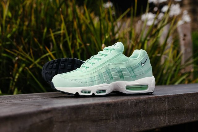 nike-air-max-95-fresh-mint-01