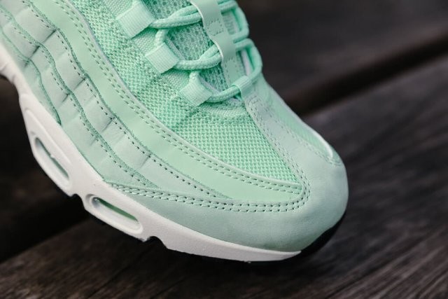 nike-air-max-95-fresh-mint-03