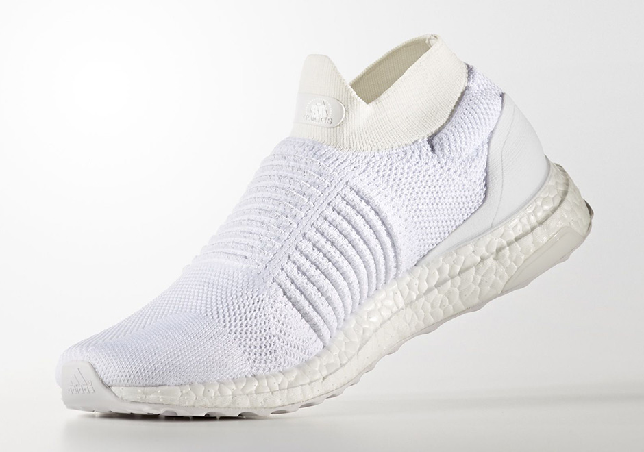 adidas-ultra-boost-laceless-mid-triple-white-s80768-2
