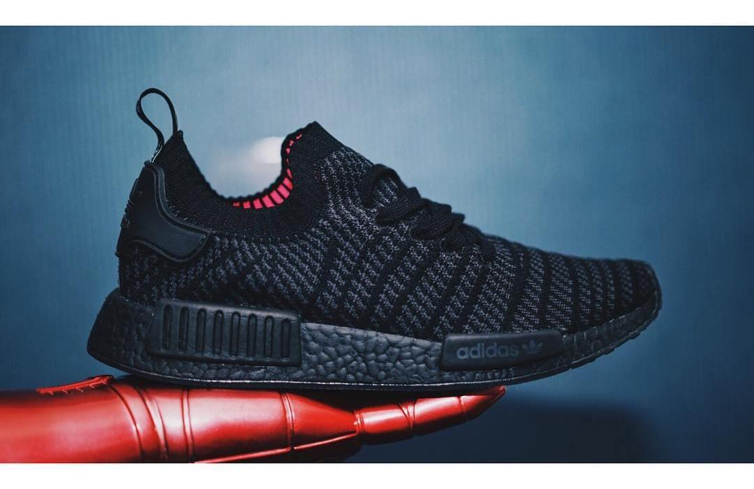 adidas-nmd-r1-stlt-triple-black-01