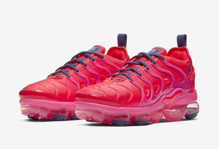 Nike Women's Air VaporMax Plus Bright Crimson/Pink Blast