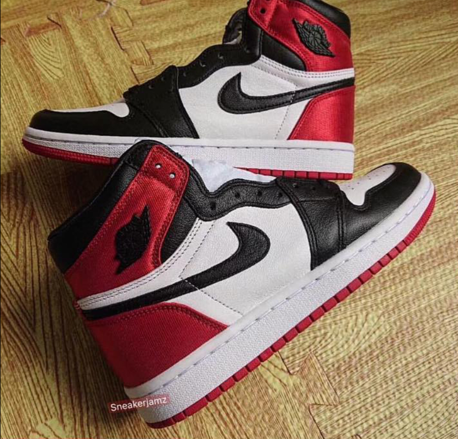 competitive price a52e3 3a0ad A Detailed Look at the Women s Air Jordan Retro 1 High OG