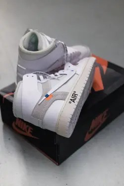 nike off whites on box