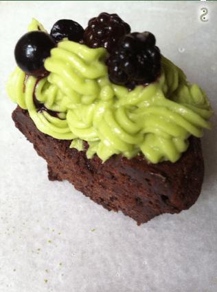 Matcha avocado and cacao cupcake http://wp.me/p3iY4S-P