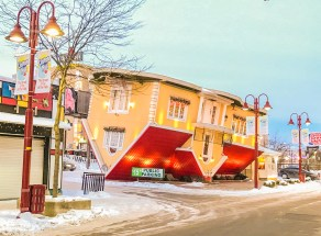 Upside Down House_Niagara On The Lake