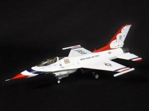 USAFサンダーバーズF-16 タミヤ1/48