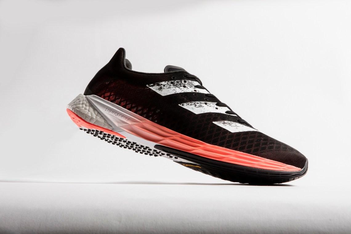 adidas Adizero Pro รองเท้าวิ่งระยะไกล