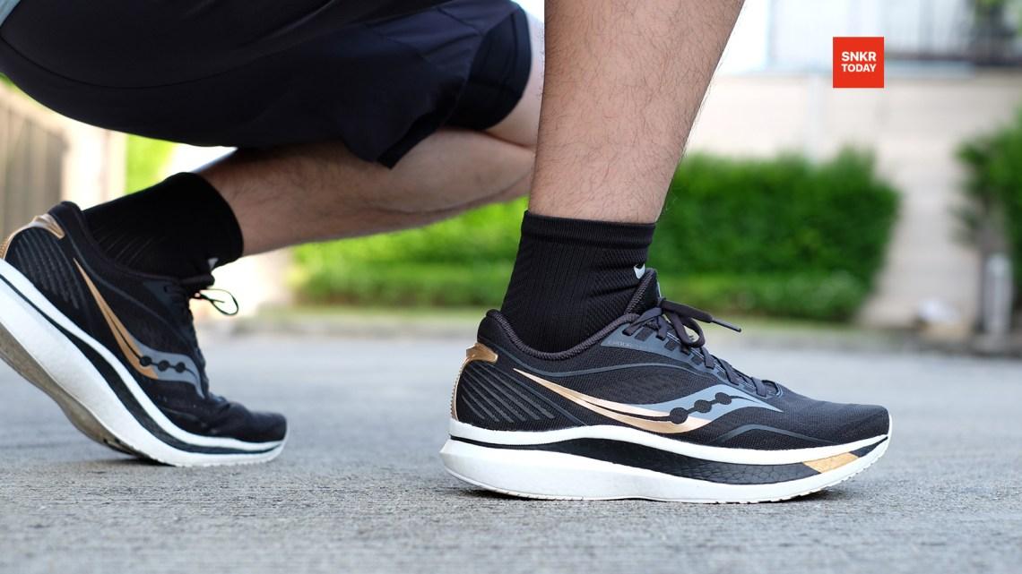 รีวิว Saucony Endorphin Speed รองเท้าสายสปีด นุ่ม น้ำหนักเบา เทคโนโลยี Speedroll วิ่งได้อย่างไหลลื่น