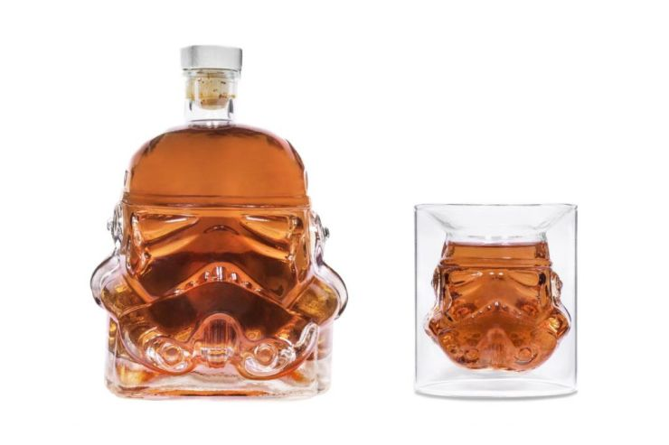 star-wars-stormtrooper-decanter-and-shot-glass-1