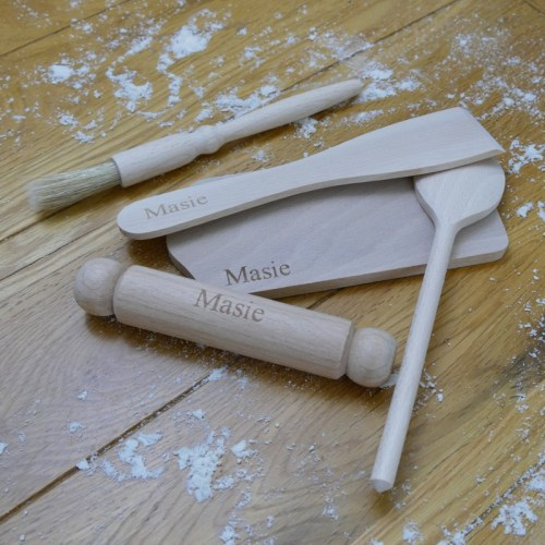 Personalised childrens baking set