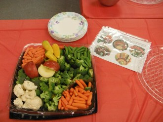 Another table made Turkey Platters with a veggie tray from Costco.