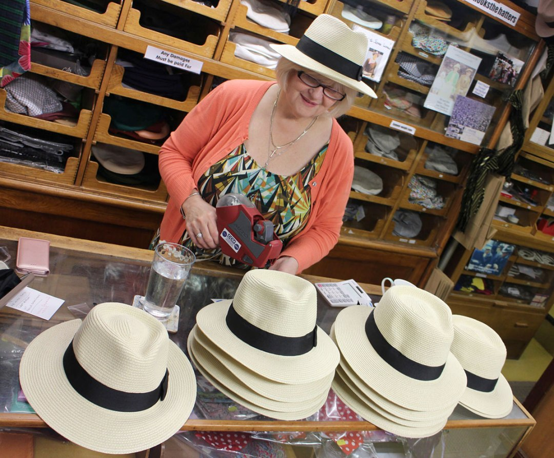 Mens crushable punting hats