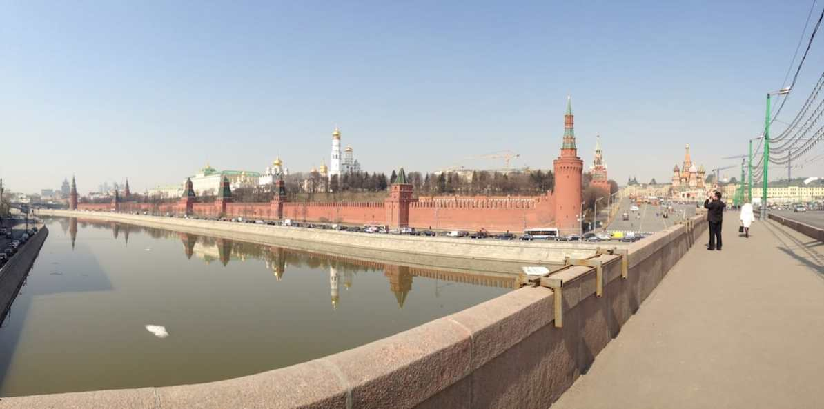 Bolshoy Moskvoretsky Bridge, Kreml