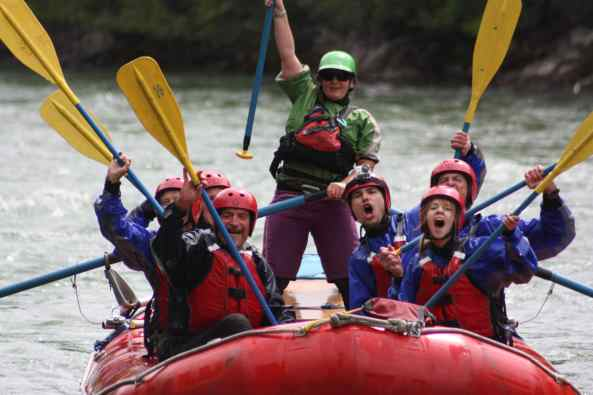 Rafting (Photo: Maligne Adventures)