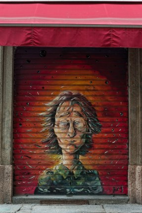 Streetart John Lennon Die Beatles Collection am Sergeant Pepper's