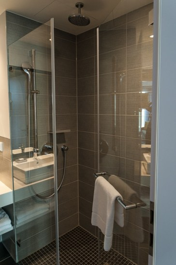 Regendusche im Studio Apartment
