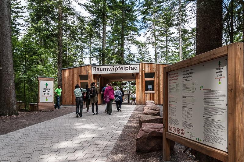 Eingang des Baumwipfelpfads