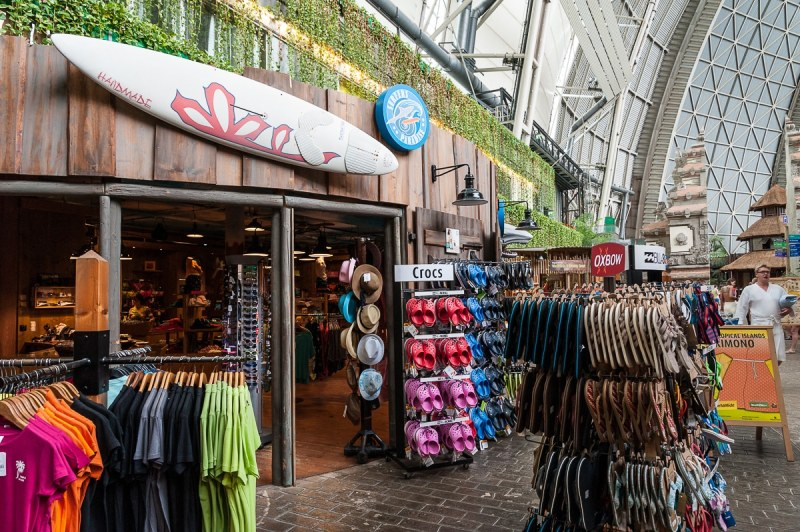 Shopping in Tropical Islands