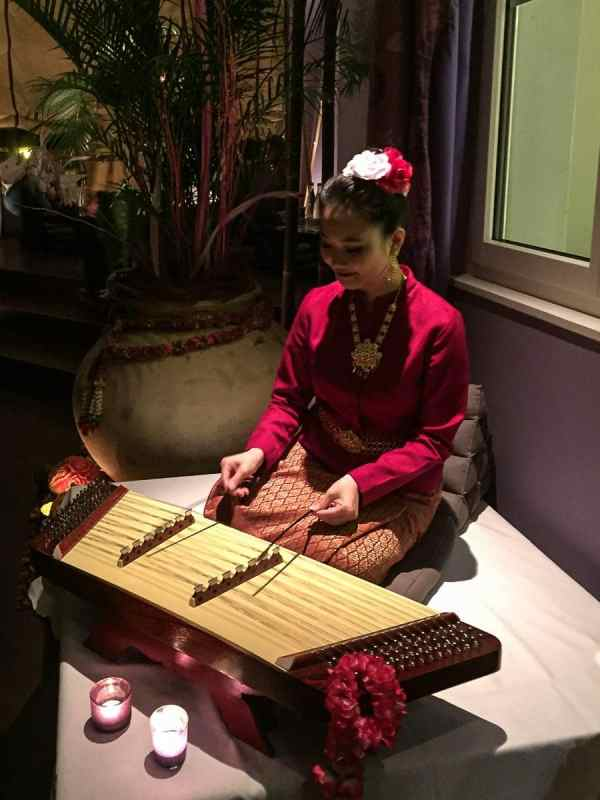 Kim-Musik-Spielerin