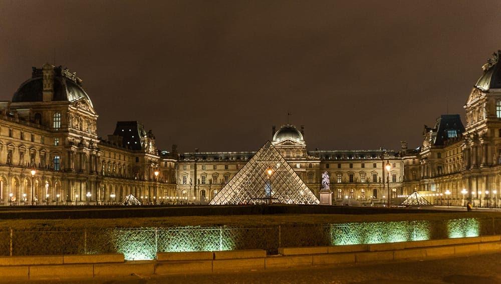 Louvre bei Nacht, 2013