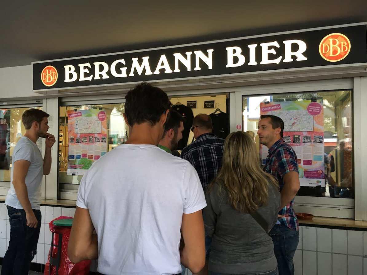 Schlange am Bergmann-Kiosk