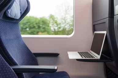 """""""Perfekte"""" Einstellung des Laptops zum Arbeiten im Zug"""
