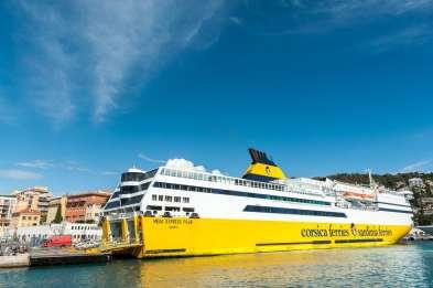 Fähre nach Korsika