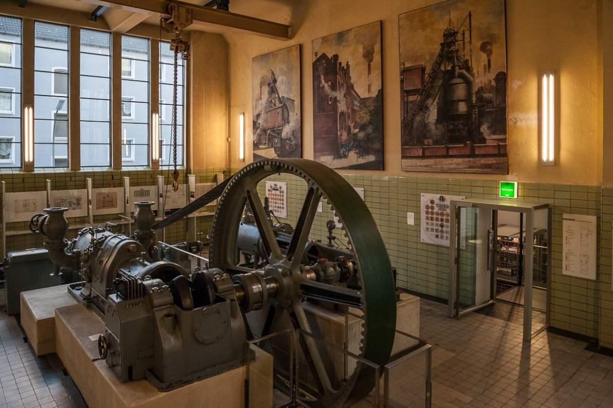 unbenutzte Dampfmaschine im Maschinenhaus (Hansa-Brauerei), heute: Brauerei-Museum