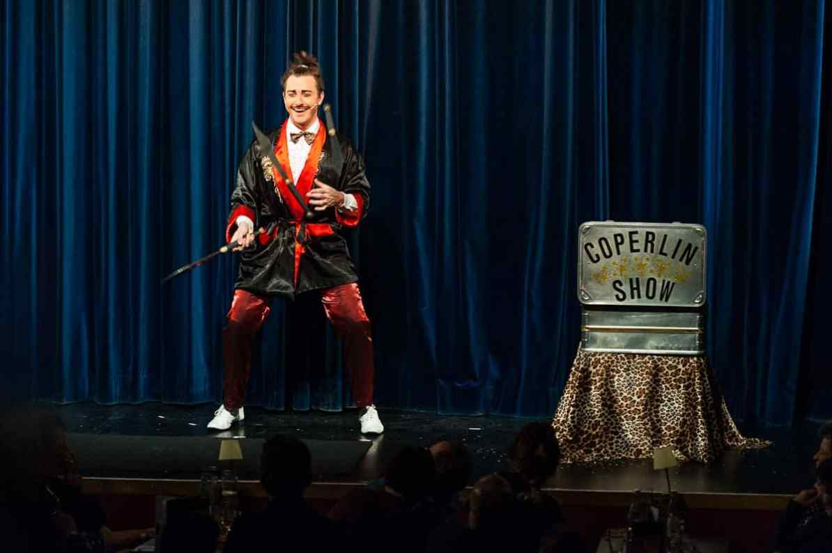 Der große Coperlin (Dustin Nicolodi) als Samurai