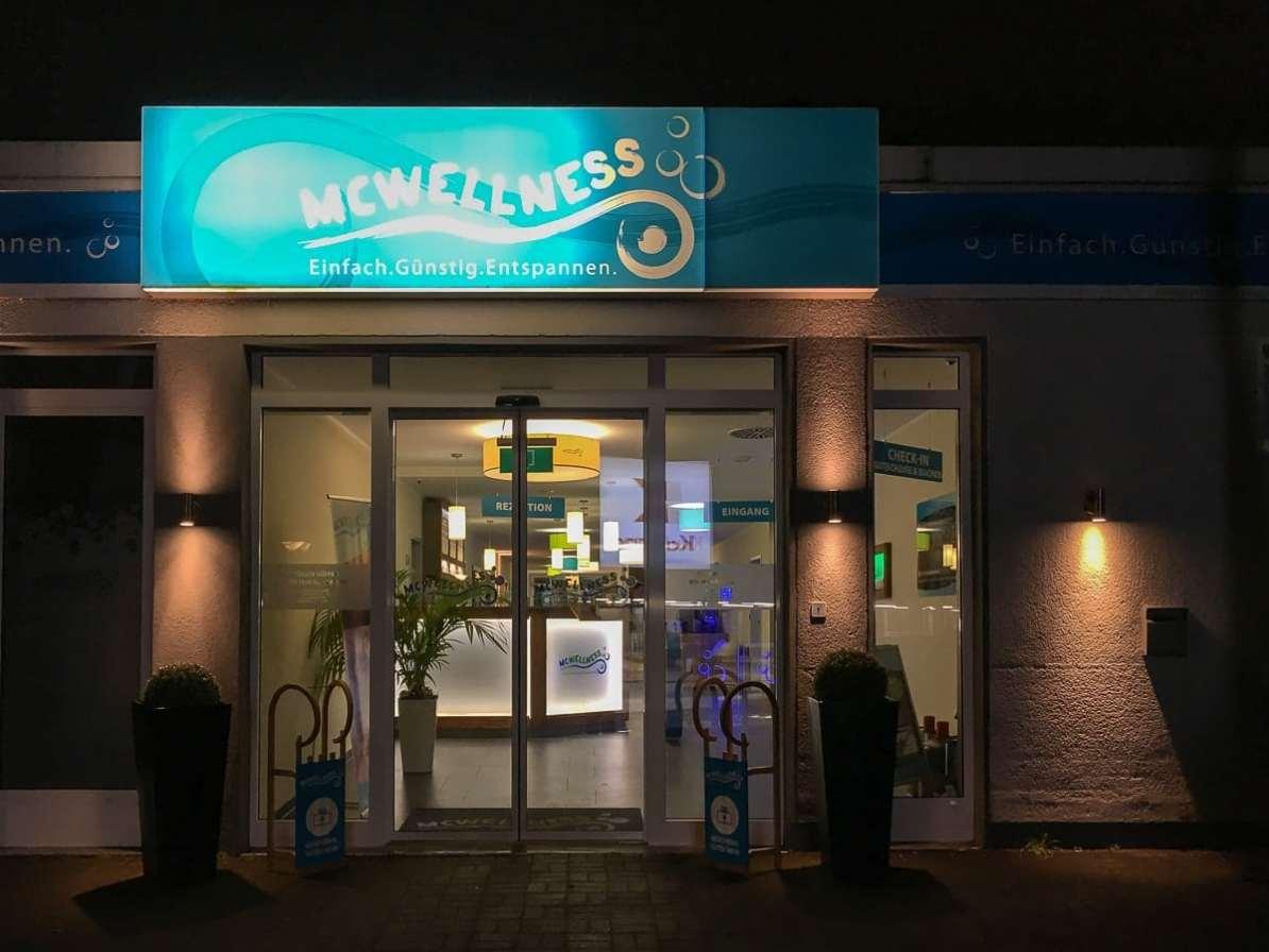 Eingang zu McWellness Dortmund I
