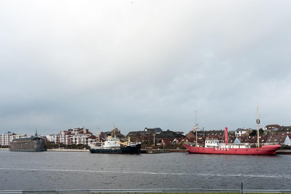 Museumsschiffe vom Südstrand aus gesehen