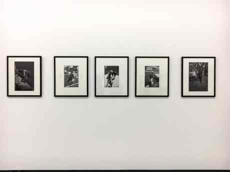 Framing - innen drei Fotos von Garry Winogrand, außen Fotos von Peter Lindbergh