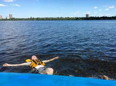 Einfach mal treiben lassen - beim Rafting auf dem Ottawa-Fluß