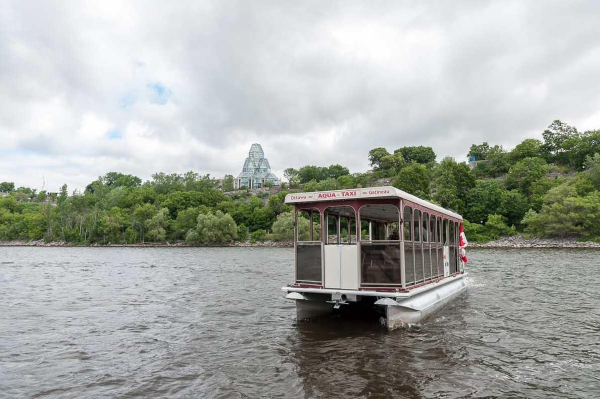 Wassertaxi am Ottawa-Fluß