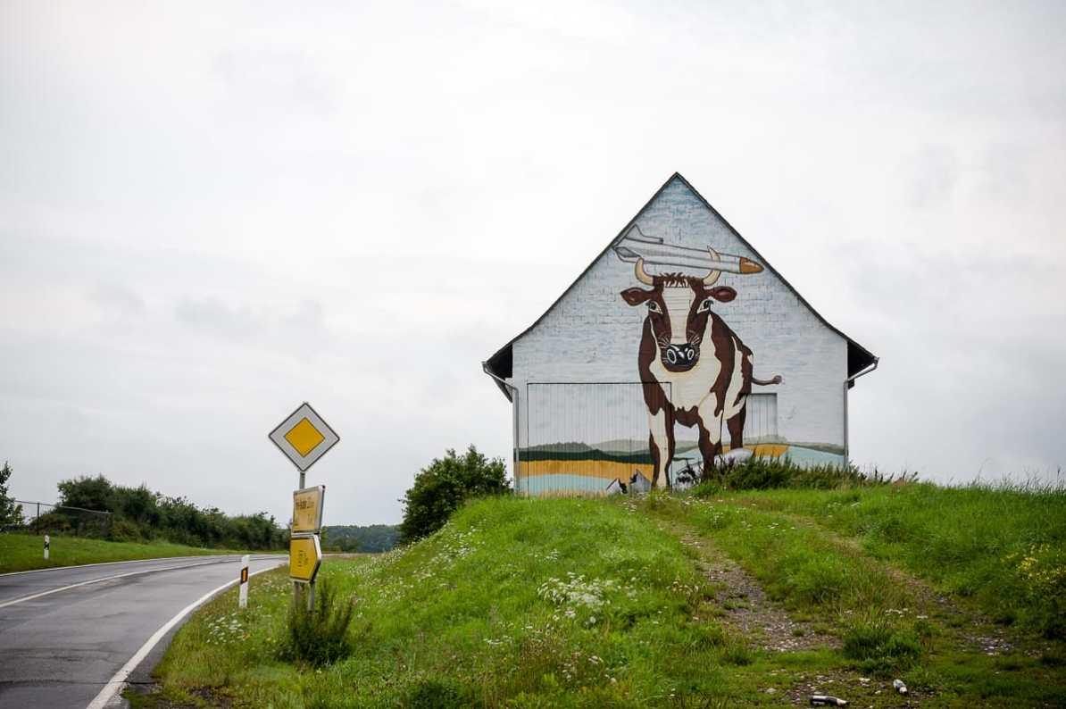 Wenn Du diese Kuh siehst, bist Du fast da!