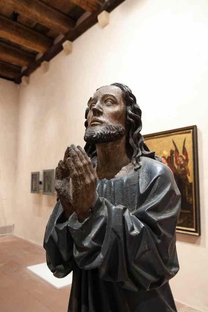 Sakrale Kunst - beeindruckende Jesusfigur