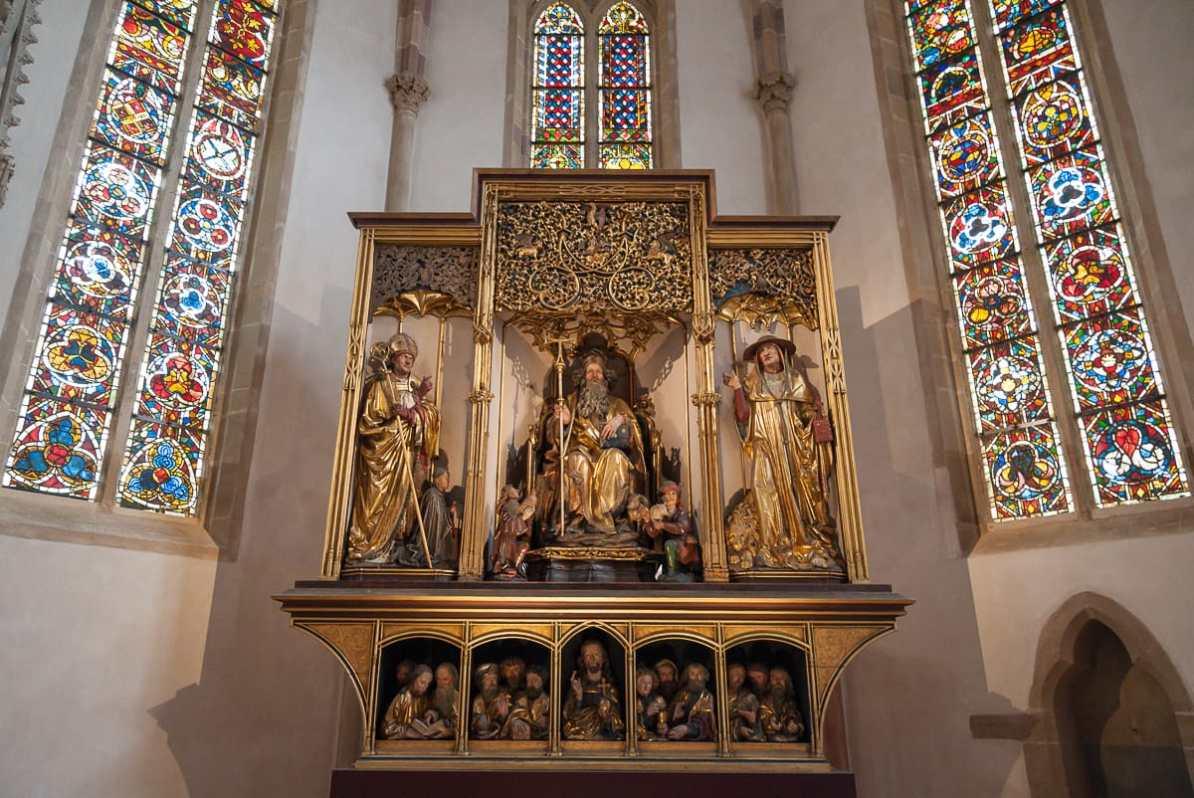 Altarschrein des Isenheimer Altars mit wertvollen Schnitzereien