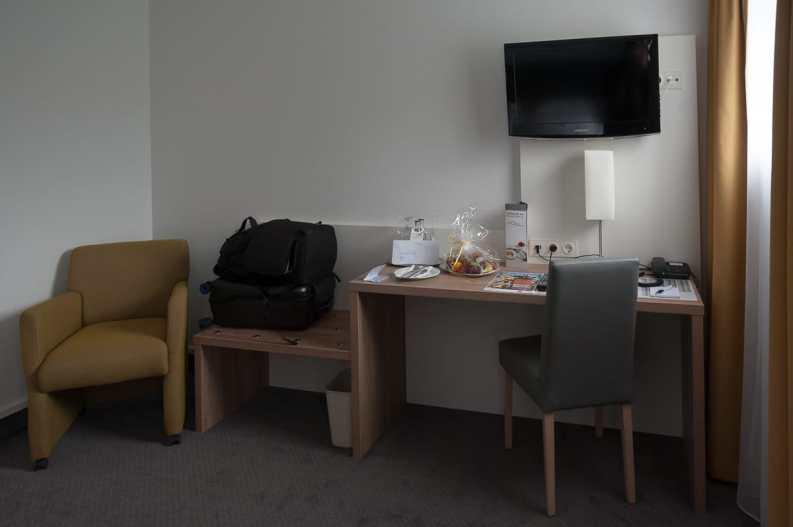 Arbeitsbereich und Gepäckablage