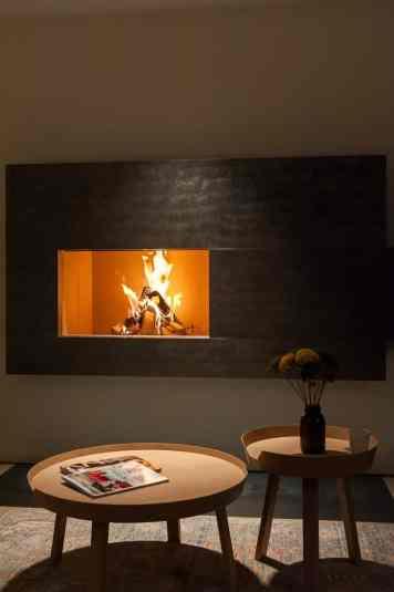 Romantische Stimmung mit Kaminfeuer