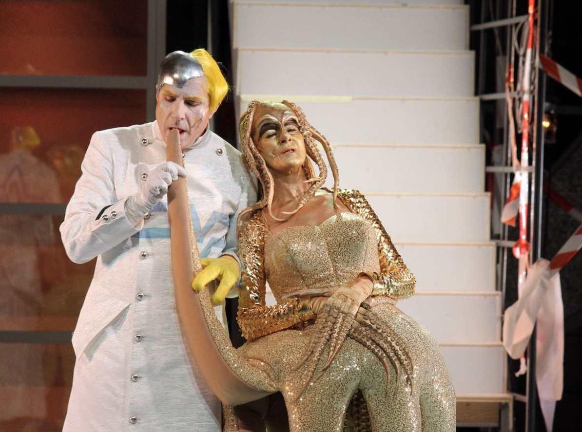 Frau Luna, Theater Hagen Rainer Zaun (Theophil), Marilyn Bennett (Stella) © Klaus Lefebvre
