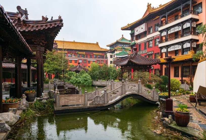 Chinesischer Garten, durch den das Qi optimal fließen kann