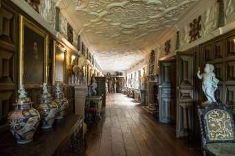 wunderschöne lange Galerie